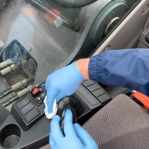 pulizia e disinfezione cabina macchine operatrici