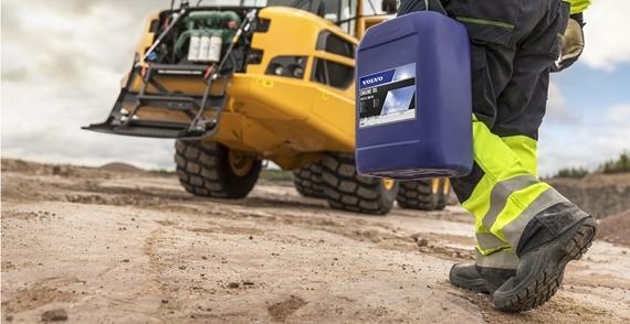 manutenzione escavatore: cambio d'olio